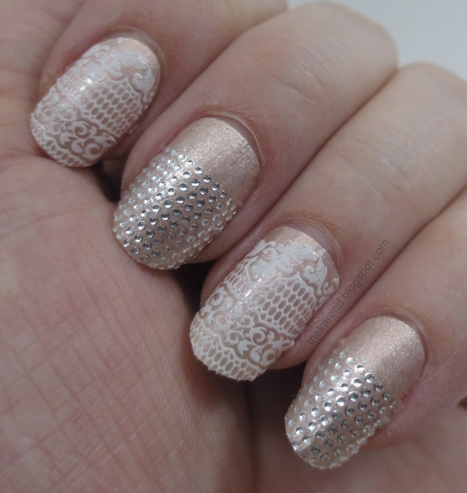 Frazzle and Aniploish: Recent NOTD x3: Essie Sleek Sticks