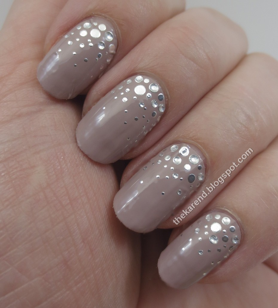 Frazzle and Aniploish: Recent NOTD: Essie Sleek Stick Over the Moon