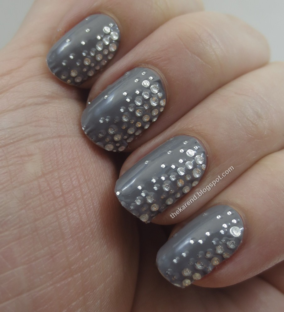 Frazzle and Aniploish: Recent NOTD: Three Swings, Two Misses